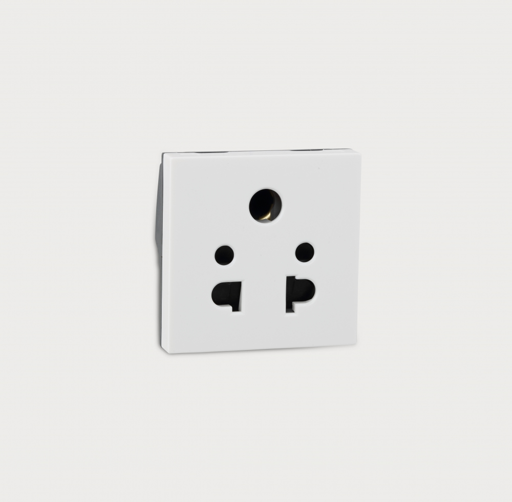 Myrius 6 A 5 Pin Universal Socket 6730 44 Legrand High Performance Power Over Ethernet Injector By Prevnext